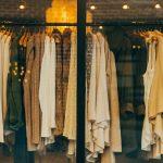 メルカリでの服の出品方法と売れやすい洋服ブランドを紹介