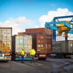 輸出入事業の会計処理!関税・消費税の扱いと勘定項目