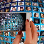 【会社のホームページで顔写真を掲載する】効果とリスクを解説します